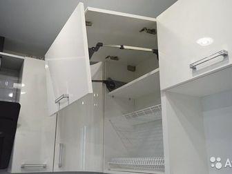 КухняРазмер: 3000/2000Петли: с доводчикамиВыдвижные механизмы: тандембоксы BlumСтоимость вашей кухни может меняться исходя из параметров, для предварительного расчета, в Новосибирске