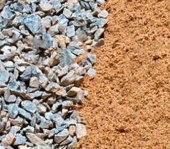 Фото в Строительство и ремонт Строительные материалы Продажа песка и щебня всех фракций с карьеров в Новосибирске 0