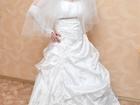 Фотография в   Свадебное платье 2000 рублей и шубку 2000 в Оренбурге 2000