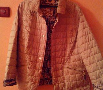 Фото в Одежда и обувь, аксессуары Аксессуары Куртка женская-двустороняя (осенняя), покупалась в Перми 1500