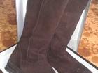 Фото в Одежда и обувь, аксессуары Женская обувь Продам зимние замшевые сапоги на натуральном в Первоуральске 2000