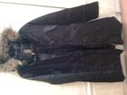 Просмотреть foto Женская одежда Пуховик черного цвета, наполнитель пух + перо р, 48 56663231 в Питере