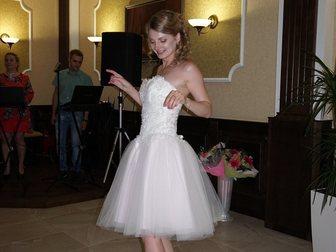 Увидеть фотографию Свадебные платья Свадебное платье короткое, с розовым оттенком 33181893 в Батайске