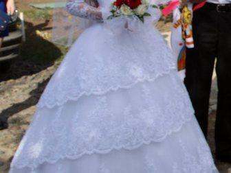 Смотреть фото Женская одежда Продаю по символической цене идеальное свадебное платье 33658885 в Зернограде