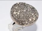 Скачать бесплатно фото Ювелирные изделия и украшения Потрясающе красивое кольцо с подвеской 38060947 в Санкт-Петербурге