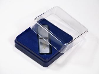 Скачать фотографию  Пластиковые футляры для значков медалей флешек 34858590 в Санкт-Петербурге