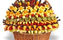Корзины с фруктами, сладостями