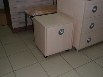 Смотреть foto Офисная мебель Тумбу продам 33815012 в Саратове