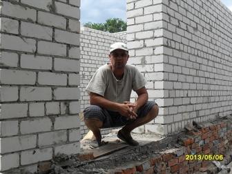 Смотреть изображение  Каменщики 35870801 в Саратове