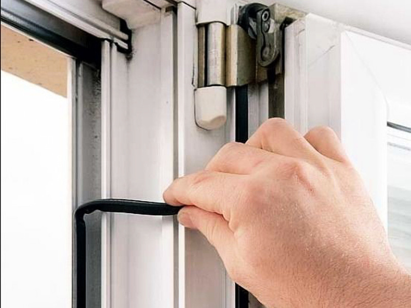 Замена уплотнителя на окнах,установка резины на пластиковых .
