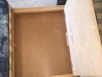 Продам диван в отличном состоянии после химчистки! Имеется вместительный ящик для белья,  Раскладывается в односпальную кровать,  Торг! Срочно! в Уфе