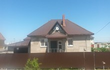 дом с мансардой пл, 220 кв, м, м-н, Южный