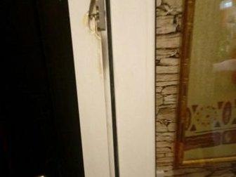 дверь балконная,размер 2000?630,немного разломана рамка,размер двери без коробки,коробку новую можно сделать,дам телефон мастера в Волгограде