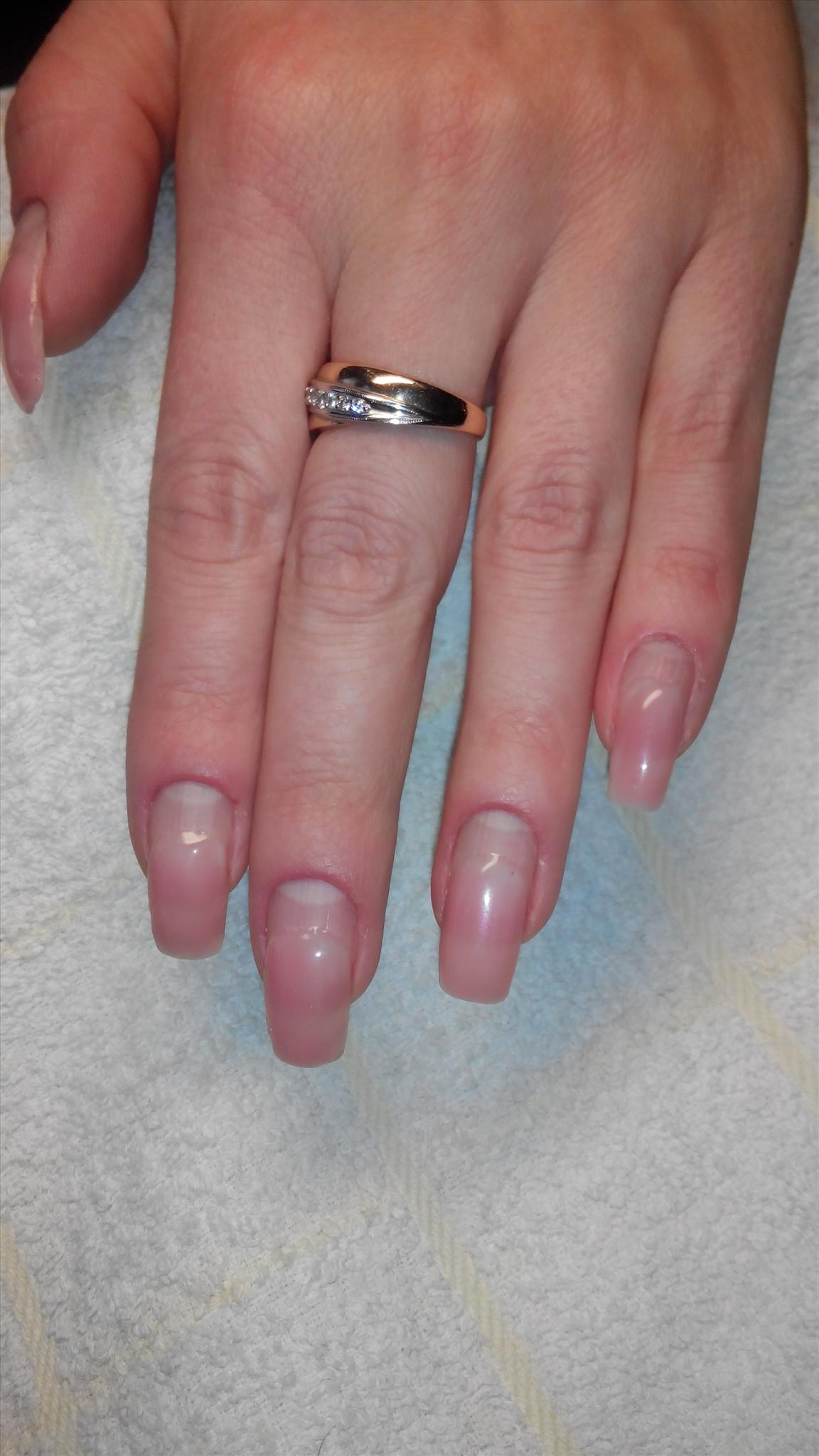 Наращивание ногтей - типсы или формы, что лучше?
