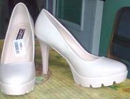 Продам туфли Продам новые туфли. Лакировки. Очень комфортные. Размер 37. Цвет ка
